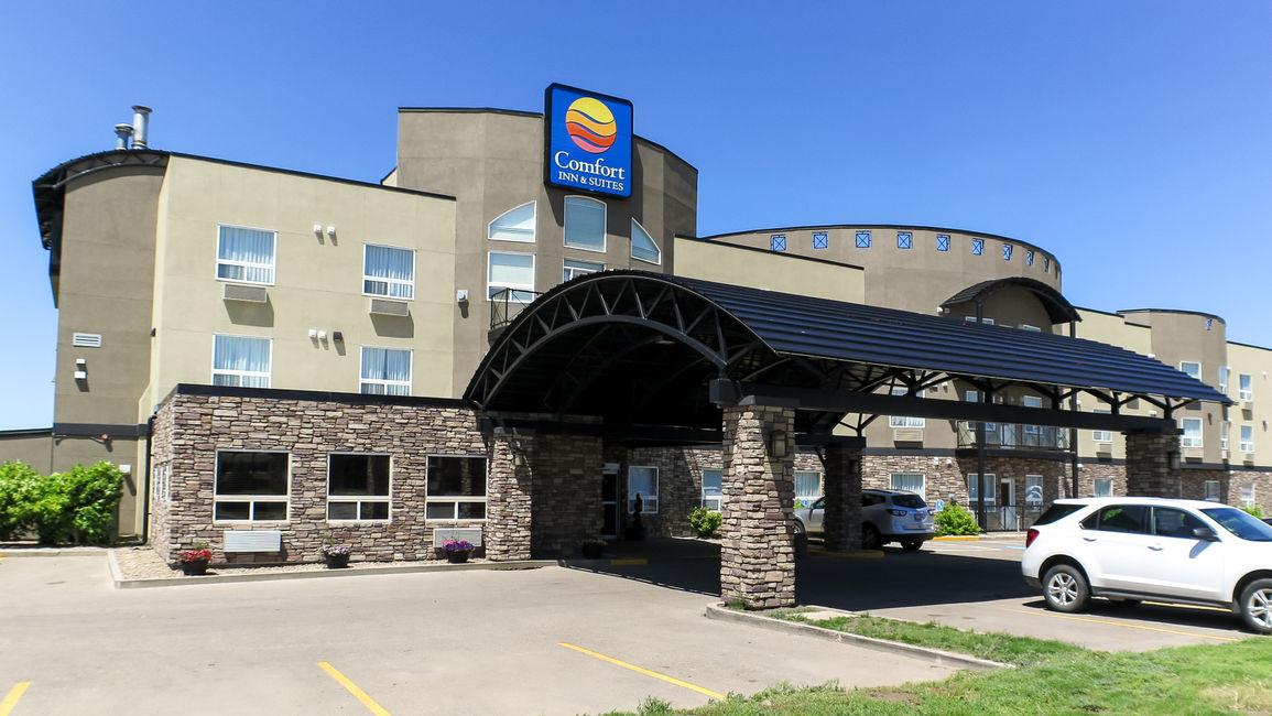 Choice Hotel in Medicine Hat Shows New Renovations with Re-launch Event